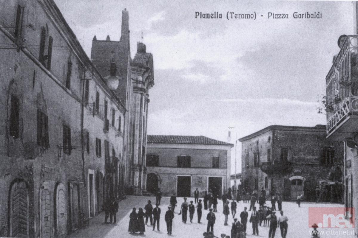 Pianella piazza Garibaldi. Archivio Carlo Di Francesco