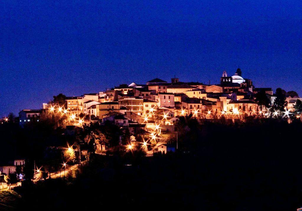 Panorama di Pianella di notte