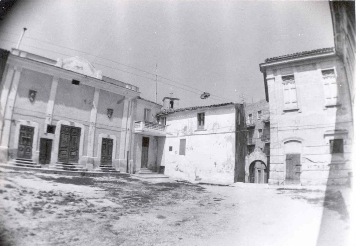 Pianella -Largo Teatro Comunale anno 1983 - archivio Carlo Di Francesco